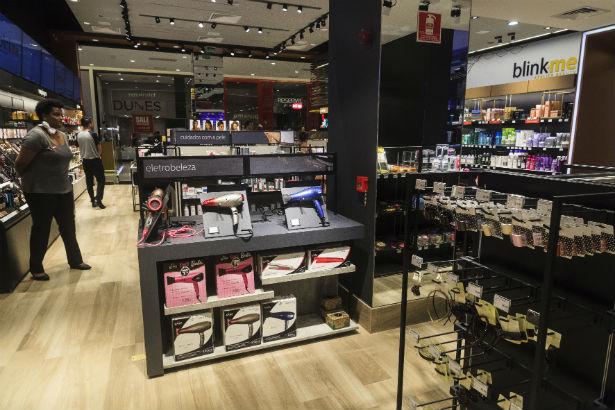 Essa é a proposta da Blink.me, marca que une salão de beleza, laboratório e loja de produtos cosméticos.