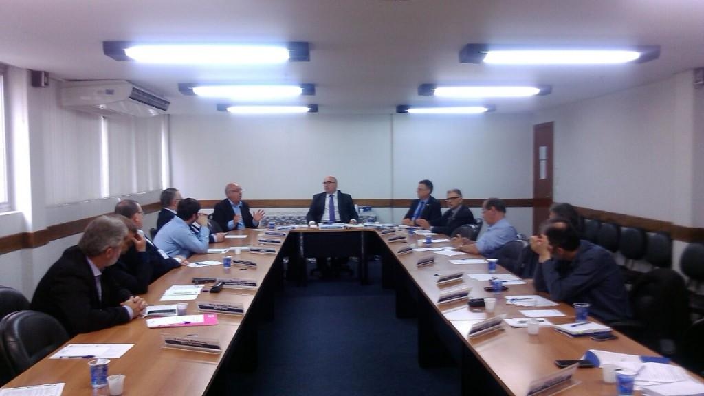 presidente do sindilojas canoas na Comissão de Combate a Informalidade