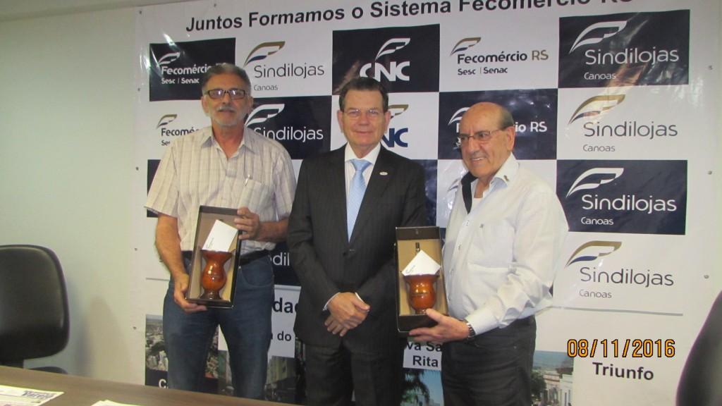 Presidente da Fecomercio-RS visita o Sindilojas Canoas