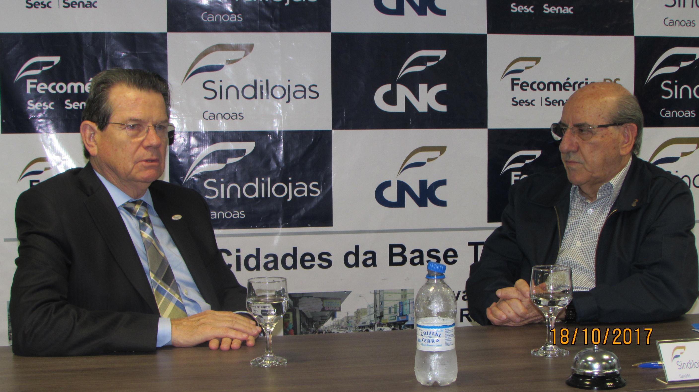 Presidente da Fecomércio RS, Luiz Carlos Bohn e presidente do Sindilojas Canoas, Denério Neumann