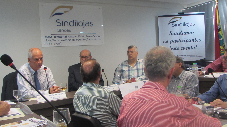 Grupo de mayores de 50 años en San Sebastián, salidas
