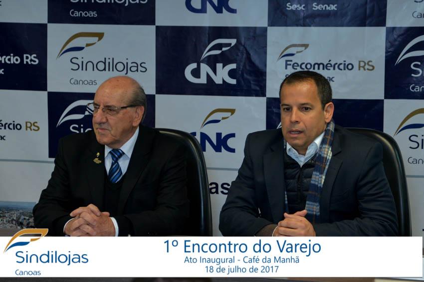 O palestrante, Leonardo Rangel ao lado do Presidente do Sindilojas, Denerio Neumann