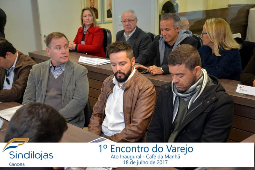 Convidados lotaram o Plenário Liberty Dick Conter no Sindilojas Canoas